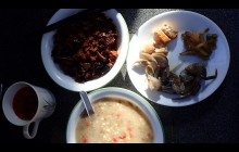 Breakfast greatly appreciated by two ladies from Shanghai. 薏米禄豆粥,烤麸,咸蟹,柞菜,腐卤